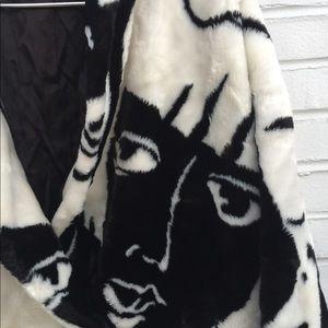 Coats & Jackets▪️FAUX FUR